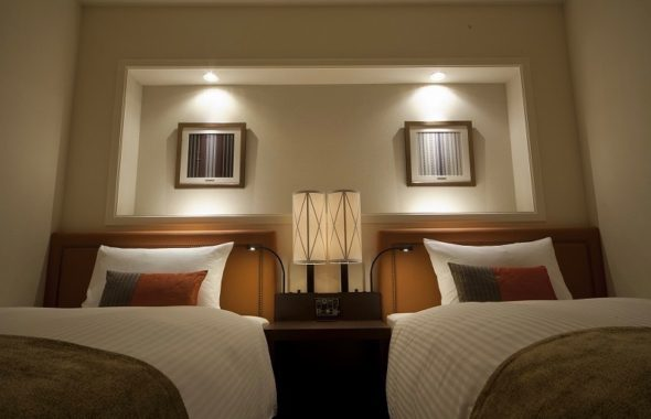 JR九州ホテル・ブラッサム福岡全室で博多織の額装