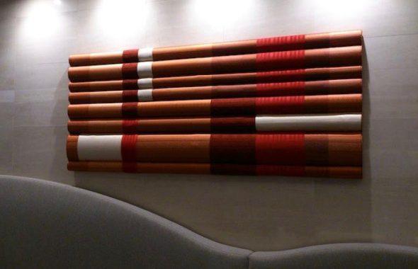 JR九州ホテルブラッサム博多中央エントランスに博多織の装飾
