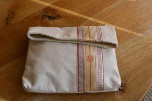 福岡大学吉田かばん筑前織物の共同開発バッグ